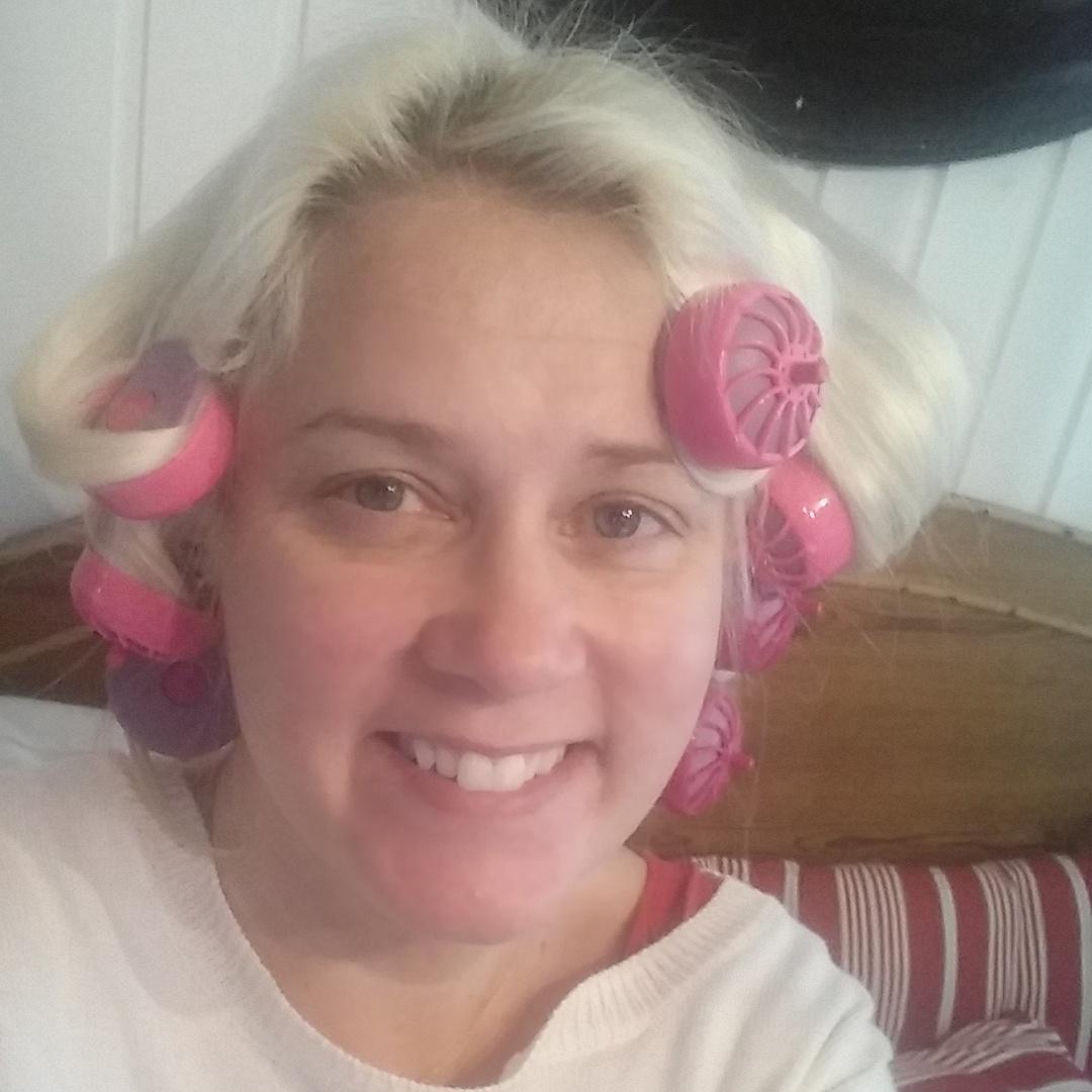 Maailman isoin paise, naiseuden hyvät ja huonot päivät ja Babyliss Clip&Curl!