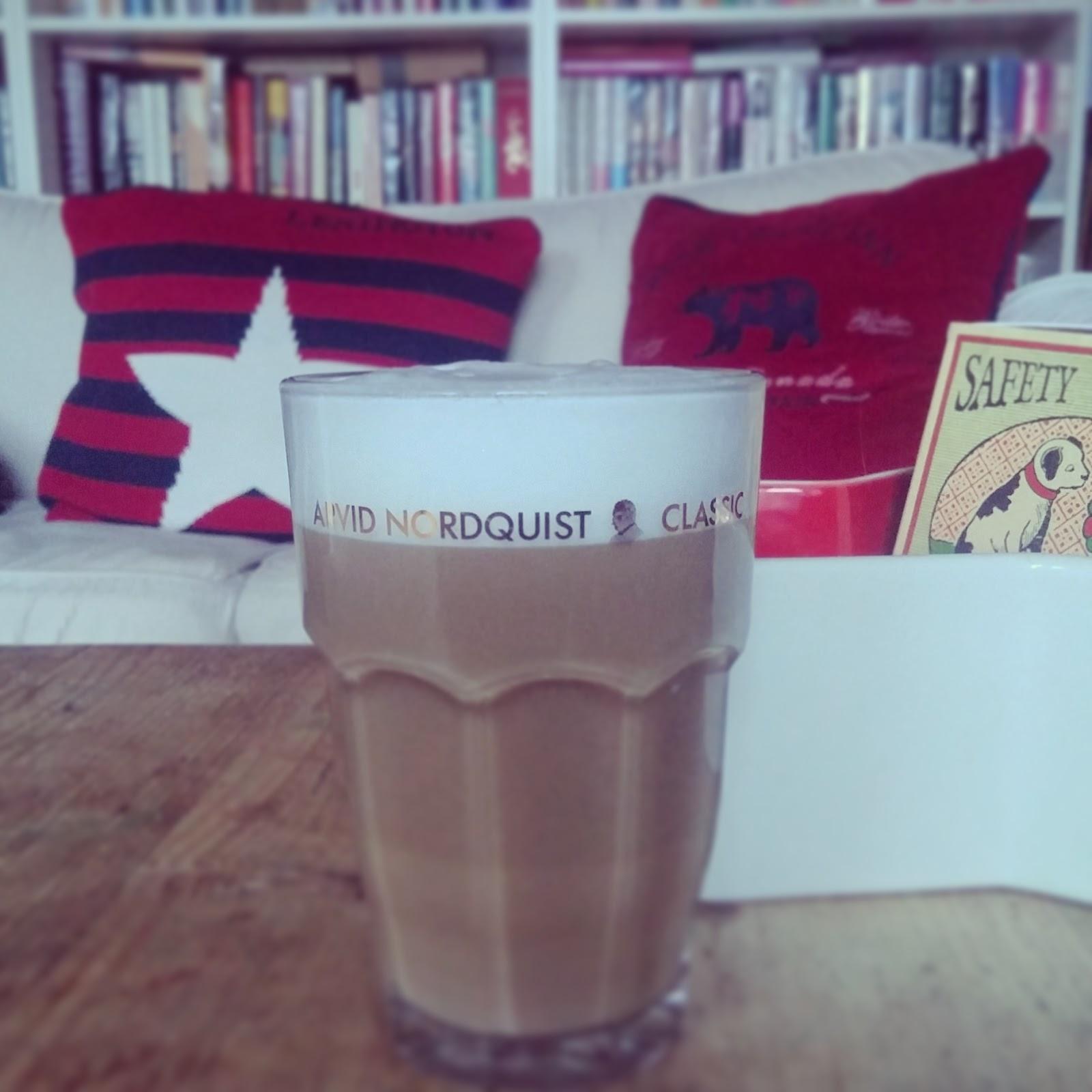 Onnellisia kahvihetkiä Arvid Nordquistin kanssa!