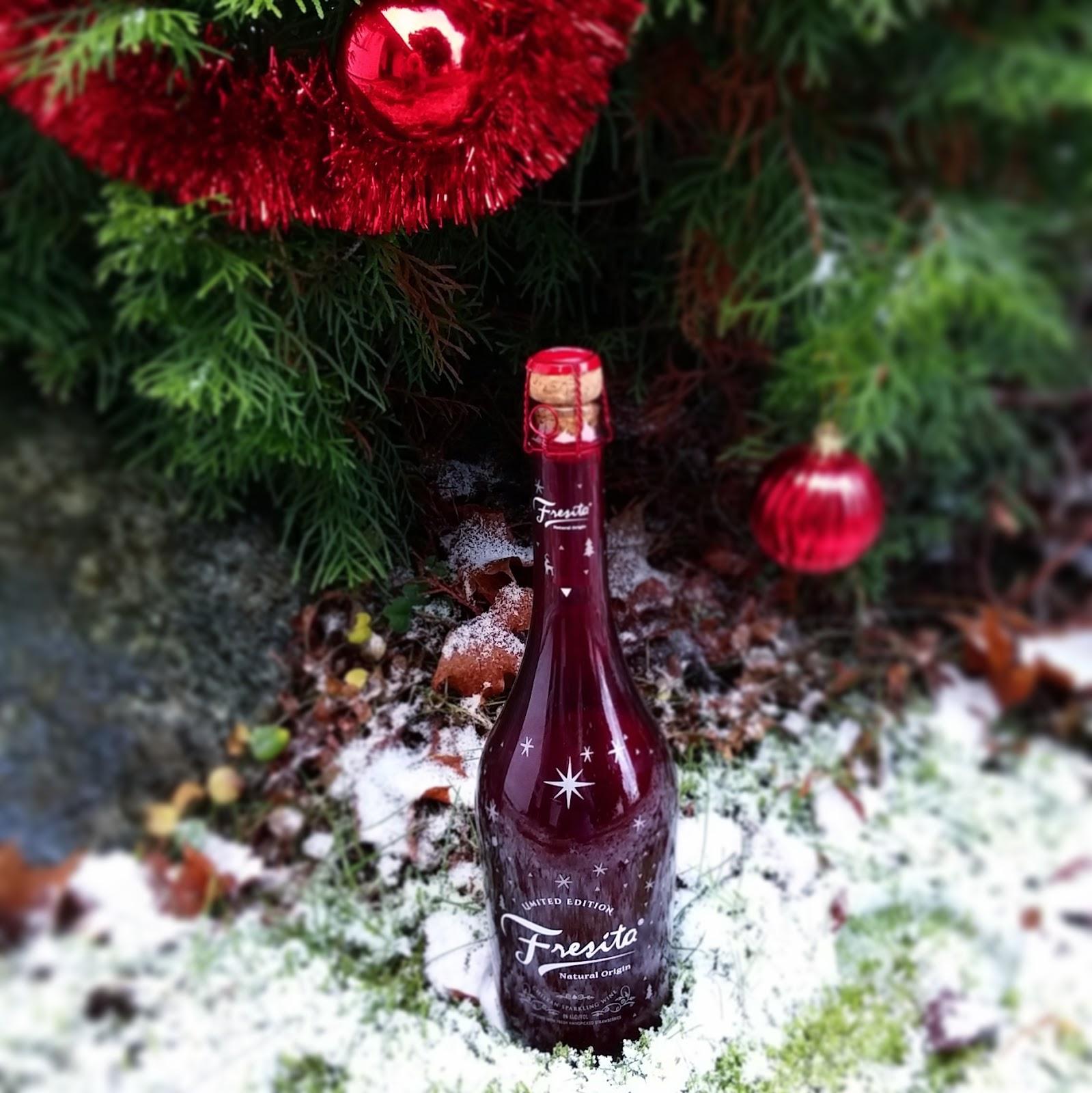 Viinit pukeutuvat jouluasuun ja pikkujoulua ystävien kanssa