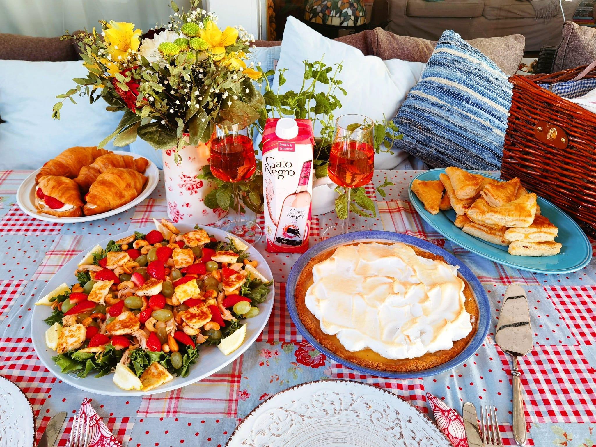 Kesäinen piknik ja Gato Negro Rosé